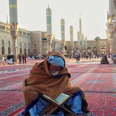 "The Prophet (peace and blessings be upon him) said, ""He is not of us who does not have mercy on young children, nor honor the elderly"" (Al-Tirmidhi). Al Masjid An Nabawi, Mecca Masjid, Masjid Al Haram, Islamic World, Islamic Art, Islamic Quotes, Medina Mosque, Pilgrimage To Mecca, Quran Pak"