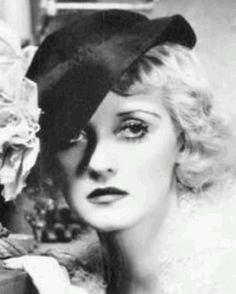 Find the location of Bette Davis's star on the Hollywood Walk of Fame, read a biography, see related stars and browse a map of important places in their career. Hollywood Star Walk, Hollywood Street, Old Hollywood Glamour, Classic Hollywood, Bette Davis Eyes, Christina Rossetti, Betty Davis, Look At The Stars, Vintage Movies