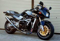 Kawasaki Motorcycles, Cool Motorcycles, Ninja Bike, Yamaha Cafe Racer, Build A Bike, Moped Scooter, Sportbikes, Road Bikes, Custom Bikes