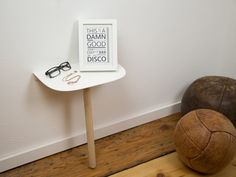 Mar 31 2020 - Small furniture - Please Lean-to console Informations About Kleinmöbel Pin You can easily use my profil. Console Shelf, Bedside Cabinet, Console Table, Hallway Furniture, Small Furniture, Diy Furniture, Metal Furniture, Led Nail Lamp, Dresser