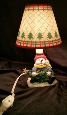 "Santa's Workbench 9"" Resin Lamp Snowman & Christmas Tree Collectible"