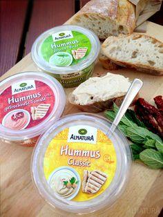 Aller guten Dinge sind drei! Unsere neuen Lieblinge im Kühlregal: Hummus classic, Hummus mit getrockneter Tomate und Hummus mit Minze | #Alnatura #Dip #Hummus #Minze