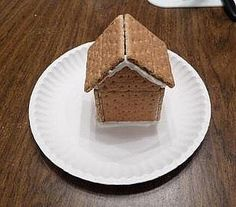 Completed graham cracker gingerbread house-Snack for Ruth Christmas Mom, Christmas Ideas, Christmas Inspiration, Holiday Ideas, Christmas Decor, Graham Cracker Gingerbread House, Gingerbread Man, Christmas Party Themes, Holiday Crafts