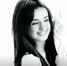 #Sanaya irani güzelliği Arnav And Khushi, Indian Drama, Sanaya Irani, Tv Actors, Bollywood Stars, Best Actress, Indian Actresses, Bollywood Actress, Kochi
