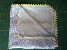 How Sew a flannel baby blanket Thread Fabric Store Tuscumbia, AL - CraftSmile Easy Sewing Projects, Craft Tutorials, Quilting Projects, Sewing Hacks, Sewing Ideas, Pram Sets, Flannel Baby Blankets, Baby Quilts, Diy Tutorial