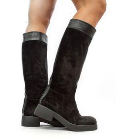 69fa22f187 173 fantastiche immagini su Stivali nel 2019   Boots, High heel ...