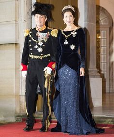 Crown Prince Frederik and Crown Princess Mary of Denmark at New Year's Banquet at Christiansborg Palace in The Crown Princess wore a Jesper Høvring's blue gown. Crown Princess Mary, Crown Princess Victoria, Prince And Princess, Princesa Mary, Princesa Real, Estilo Real, Mary Of Denmark, Mary Donaldson, Danish Prince