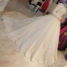 muslim wedding dresses with veil Hijabi Wedding, Muslimah Wedding Dress, Muslim Wedding Dresses, Muslim Brides, Dream Wedding Dresses, Bridal Dresses, Wedding Gowns, Modest Wedding, Hijab Dress Party