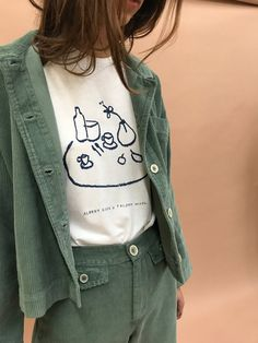 L:C Babe   outfit inspiration Paloma Wool SOUVENIR TEE