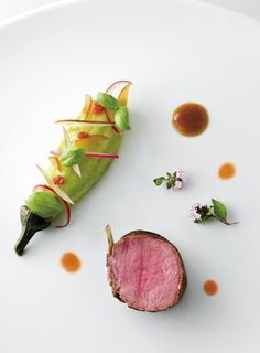 Foodie Top 100 Restaurants: Worldwide collection #plating #presentation | (chef's dish in photo created by Alain Ducasse au Plaza Athénée)