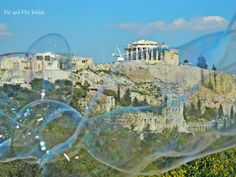 Bubbles in Athens, Bubble Performing, Acropolis
