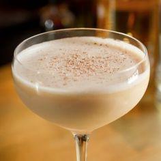 Brandy Alexander Brandy Alexander Recipe Cocktails, Beverages with cognac, dark crème de cacao, cream Cocktail Desserts, Dessert Drinks, Fun Drinks, Yummy Drinks, Cocktail Recipes, Alcoholic Drinks, Cocktail Drinks, Drinks Alcohol, Cocktail Glass