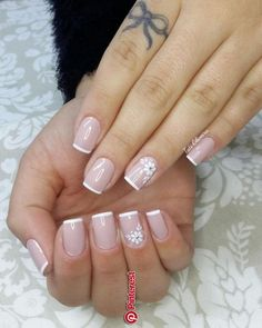 cute and blush nail art with floral design Blush Nails, Pink Nails, Classy Nails, Stylish Nails, Nail Art French, Nagellack Design, French Manicure Nails, Bride Nails, Bridal Toe Nails