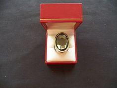 $10.00 Avon Rebel Rose Holiday Rocks Perfume Ring (62315-1127S) collectibles
