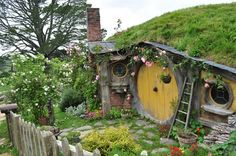 """In the films """"Lord of the Rings"""" and """"The Hobbit"""" by J.R.R.  Tolkien, books, appears a race of small human-like creatures, living together in villages. Hobbit village did not exist in reality, but it that doesn't mean you can't  visit it: In  the northern island of New Zealand, the town Mtamata, is Hobbiton, hobbit village, specially built for the film. Today it is a tourist attraction where guided tours are conducted, and the tiny charming houses  stimulate the imagination even if you have…"""