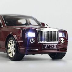 Rolls-Royce Phantom Metal Diecast Model Car Toy Sound&Light Red With Box 749882357559 Rolls Royce Phantom, Buick Enclave, Car Sounds, Light Well, Porsche Panamera, Bentley Continental, Diecast Model Cars, Box, Metal