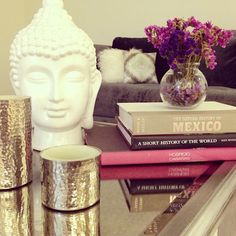 Buddha, home decor, chic boho, books Meditation Raumdekor, Meditation Room Decor, Boho Glam Home, Boho Chic, Buddha Home Decor, Feng Shui, Deco Zen, Glam Living Room, Decorating Coffee Tables