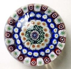 "Baccarat Close Concentric on clear ground - Sulfure presse papier en verre ""Millefiori"" - vers 1845-60"