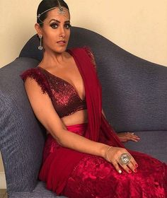 Naagin 3 Anita Hassanandani's look set picture is unmissable Ekta Kapoor's much awaited supernatural show, Naagin 3 aired day before yesterday and floored Bollywood Actress Hot Photos, Bollywood Fashion, Bollywood Dress, Indian Bollywood, Indian Beauty Saree, Indian Sarees, Saree Dress, Sari, Lehenga Blouse