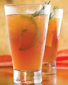 Chá gelado Ipanema Milk Shakes, Drinks Alcohol Recipes, Alcoholic Drinks, Cocktails, Juice Smoothie, Smoothies, Lavender Lemonade, Portuguese Recipes, Keto