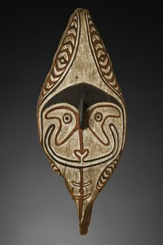 Spirit board, kwoi  Purari Delta  19th century  Wood, pigment  H. 104 cm