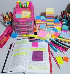 Color your study - DIY Stationery Stationary Organization, Study Organization, Projekt Mc2, School Suplies, Study Corner, Cool School Supplies, Study Room Decor, School Study Tips, School Stationery