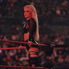 Wrestling Divas, Women's Wrestling, All Wwe Divas, Chico Fitness, Wwe Female Wrestlers, Wwe Girls, Raw Women's Champion, Wwe Womens, Professional Wrestling