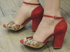 http://www.maurikatu.com.br/sandalia-maurikatu-by-cecconello-p232 #maurikatu #shoes #winter2014 #look #moda