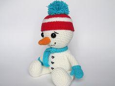 Ravelry: Snowman with Cap pattern by Veronika Masek.