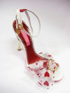 Besty Johnson hearts shoe