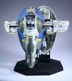 I love these by John Simmons. These are the exquisite Fine Molds Jango and Boba Fett Slave they were completed using Vallejo and Tamiya paints and the weath Sci Fi Spaceships, Knee Tattoo, Star Wars Design, Jango Fett, Star Wars Pictures, Star Wars Toys, Far Away, Scale Models, Action Figures