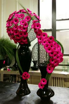 OVANDO Centerpiece Fushia & Black, gorgeous design for hotel and resort decor