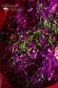 Przepisy Aleksandry: SURÓWKA Z CZERWONEJ KAPUSTY I OGÓRKÓW KISZONYCH Cabbage, Food And Drink, Healthy Eating, Vegetables, Cooking, Plants, Dinners, Merry Christmas, Polish