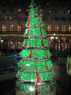 Chirstmas Goes Green With The Huge Eco Friendly Christmas Tree  - Eco Friendly Christmas Tree
