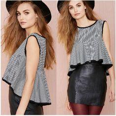 Sexy Women Grid Dovetail Ruffle Tops T-Shirt Show Navel Sleeveless Back Zipper Design Hot Sale Women Shirts Fashion Clothing