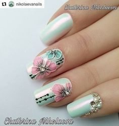 Get floral nail art and you're set to go. The patterns of floral nails art have gotten so intricate that it almost appears effortless. Pretty Nail Colors, Pretty Nail Designs, Diy Nail Designs, Short Nail Designs, Acrylic Nail Designs Glitter, Acrylic Nails, Spring Nails, Summer Nails, Trendy Nails