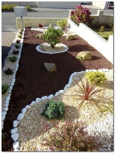These are three of the most useful front yard landscaping ideas that have been used by homeowners in the past. The charm of these front yard landscaping ideas. Gravel Landscaping, Small Front Yard Landscaping, Florida Landscaping, Landscaping With Rocks, Landscaping Ideas, Gravel Garden, Rocks Garden, Rock Garden Design, Backyard Garden Design