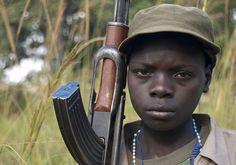 Pediatra: telefono azzurro, oltre 250 mila bambini soldato nel mondo
