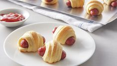 It's just not a party without Mini crescent dogs! Big batch , just two ingredients—Pillsbury™ crescent rolls and cocktail-size sausages—buttery, flaky, savory and perfectly dippable Great Appetizers, Christmas Appetizers, Appetizer Recipes, Appetizer Ideas, Appetizer Dinner, Party Appetizers, Christmas Recipes, Thanksgiving Recipes, Dinner Recipes