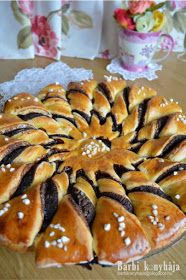 Barbi konyhája: Kakaós napraforgó Hungarian Desserts, Hungarian Recipes, My Recipes, Cookie Recipes, Dessert Recipes, Puff Pastry Desserts, Pie Cake, Christmas Sweets, Winter Food