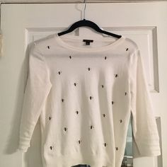 Ann Taylor Bumble Bee Top This is a small Ann Taylor Bee Top with 3/4 sleeves. It is made of cotton and is thin. Looks very cute with a cami layered underneath and some jeans. It has been worn a total of 3 times. Ann Taylor Tops Blouses