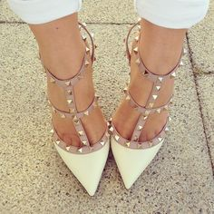 white valentinos, YES PLEASE <3 sencillos elegantes y con mucho estilo