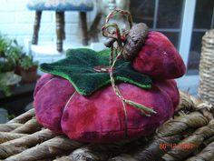 Velvet Strawberry acorn & tomato pincushion