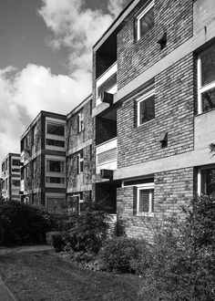 Langham House Close, Ham Common, James Stirling and James Gowan, 1958 Photo: Simon Phipps