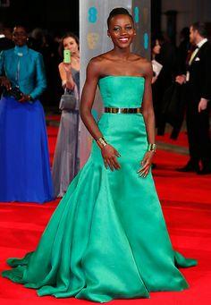 Fashion-Looks: Den bezauberndsten Auftritt bei den BAFTAs in London legte Lupita Nyong'o im leuchtend grünen Traumkleid von Christian Dior C...