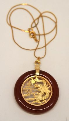 LOVELY VINTAGE ASIAN / CHINESE DRAGON PENDANT NECKLACE GOLDTONE CARNELIAN /GLASS