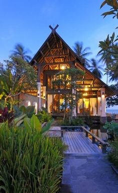 Puri Ikan 5 Neighboring The Lush Jungle of East Bali: Exclusive Jasri Beach Villas Modern Tropical, Tropical Design, Tropical Houses, Architecture Design, Tropical Architecture, Architecture Memes, Wood Houses, Style At Home, Roof Design