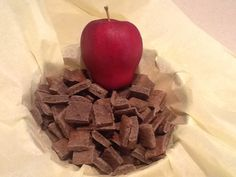BAPPLE Bark Dog Treats (Grain, Gluten & Wheat-Free) www.kellysgourmetdoggie.storenvy.com Gourmet Dog Treats, Doggie Treats, Natural Dog Treats, Dog Biscuits, Treat Yourself, Grain Free, Yummy Treats, Bakery, Veggies