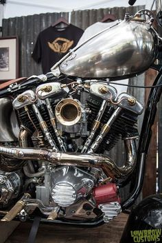 Harley Davidson Engines, Harley Davidson Knucklehead, Harley Davidson Art, Harley Davidson Motorcycles, Custom Motorcycles, Grease Monkey Garage, Old School Chopper, Victory Motorcycles, Bike Quotes