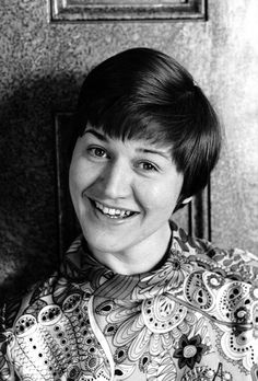 patricia routledge photos